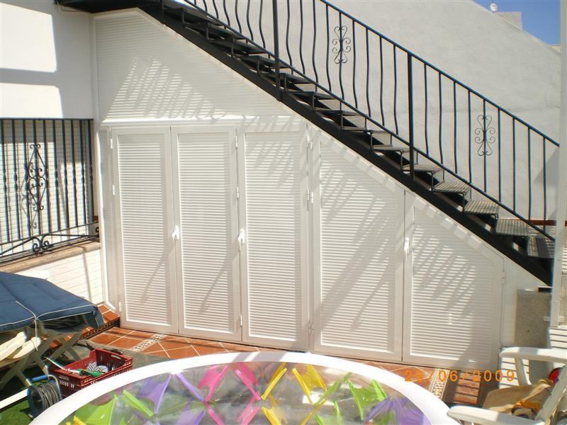 Aluminio cerramientos armario manufacturas gandia - Cerramientos de escaleras ...